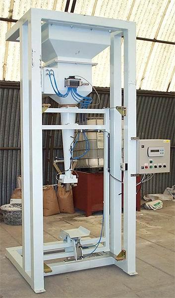 Plnička ventilových pytlů - dávkování gravitací