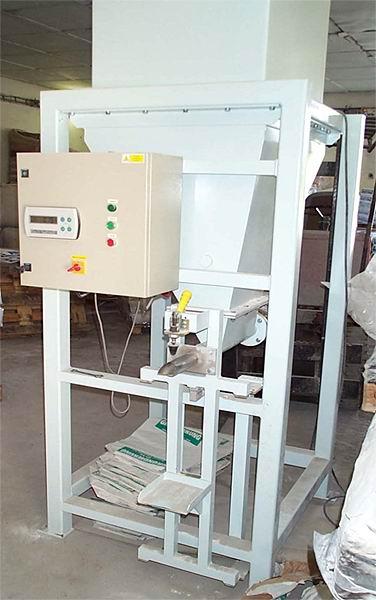 Plnička ventilových pytlů - dávkování šnekem